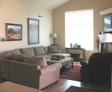 http://moabhouserental.com/Moab_Home_files/Living-Room_moab-rents.jpg